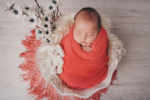 الأفكار لتصوير الأطفال حديثي الولادة