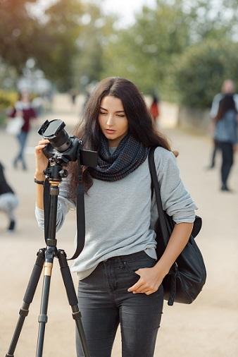 حامل الكاميرا (Tripod)